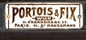 Portois&Fix_Robert_Fix_vienna_1900_world_exhibition_showcase