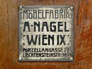 Fritz_Nagel_Wien_1900_Schrank_bel_etage