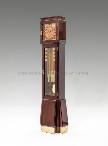 10_Ludwig_Bodenstanduhr (1)_HP