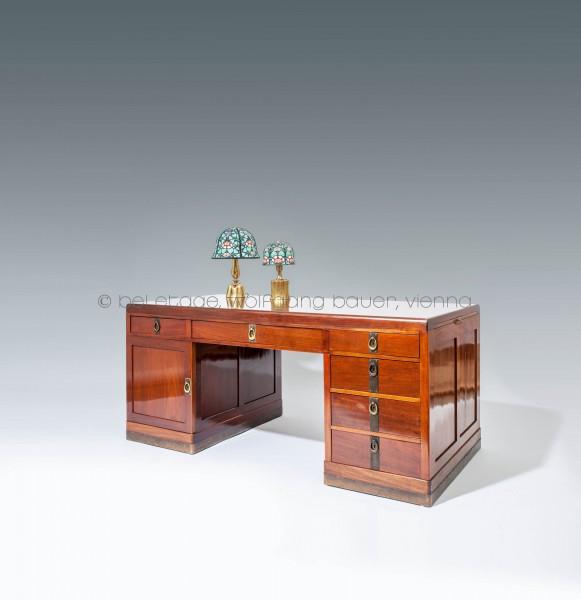 3.Schmidt, Herrenschreibtisch und ein paar Stühle (5)_HP